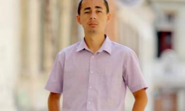 Moartea unui tânăr jurnalist din Cluj zguduie sistemul medical. Familia vrea să afle cum a putut muri după un abces dentar