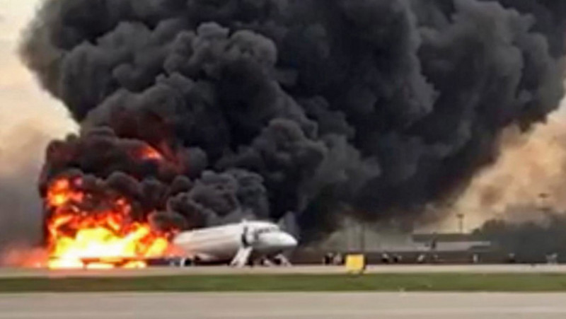 accident aviatic Rusia avion in flacari