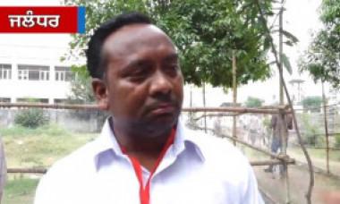 VIDEO. Un candidat din India a plâns în direct la TV după ce a primit doar 5 voturi. Familia lui are 9 membri