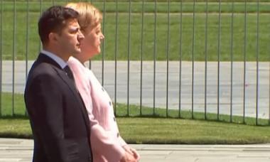 VIDEO | Imagini șocante cu Angela Merkel. I s-a făcut rău în timpul unei ceremonii oficiale