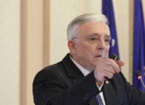 Guvernatorul BNR: Vârful tensiunilor generate de coronavirus în domeniul monetar, bancar şi financiar a fost depăşit
