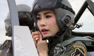 """Regele Thailandei i-a retras concubinei toate titlurile regale și militare. O acuză de """"lipsă de loialitate"""""""