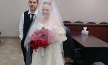 Un cuplu de tineri a murit la câteva minute după căsătorie. Mama mirelui a asistat la accident