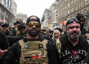 """Gruparea extremistă Proud Boys, care a participat la Asaltul de la Capitoliu, a fost desemnată """"entitate teroristă"""" în Canada"""