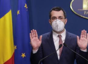 Deși România este pe primele locuri în topurile vaccinării în UE, Vlad Voiculescu amenință medicii și populacu anchete la vaccinare
