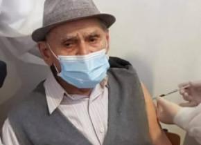 Românul fenomen din Ardeal. La 105 ani citește fără ochelari, e perfect sănătos și s-a vaccinat anti-COVID