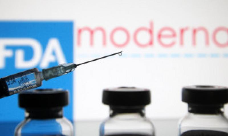 România primește săptămânal 14.000 de doze de la Moderna, însă acestea stau în depozit