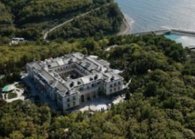 Palatul de 1 miliard de euro al lui Putin, cu patinoar de hochei și cazino propriu. Domeniul de 7.000 de hectare e la malul Mării Negre