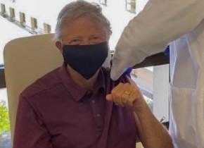 Bill Gates a anunțat că s-a vaccinat, după ce a investit 350 de milioane de dolari pentru serul anti-Covid