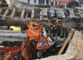 Plan roșu de intervenții activat după un grav accident la Călugăreni. Un om a murit, trei au fost duși la spital