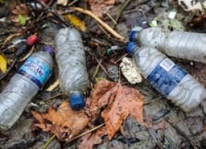 Circuitul plasticului în natură. Particulele de microplastic și-au format propriul ciclu global și călătoresc prin atmosferă
