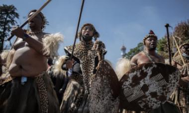 Misizulu, fiul cel mare al reginei Mantfombi Dlamini, este noul rege al poporului Zulu. Scene dramatice la citirea testamentului VIDEO