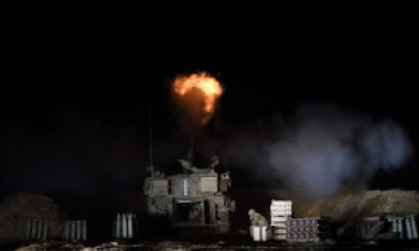 Israelul a atacat rețeaua de tuneluri subterane din Gaza, militanții continuă tirul de rachete. Bilanțul morților a ajuns la 127