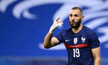 De ce Karim Benzema joacă tot timpul cu un bandaj la mână? GALERIE FOTO