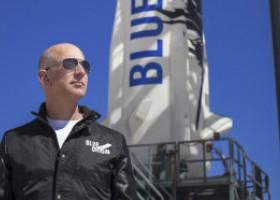 """""""Nu-i permiteţi lui Jeff Bezos să revină pe Pământ"""". Peste 85.000 de oameni au semnat o petiție ca miliardarul să rămână în spațiu"""