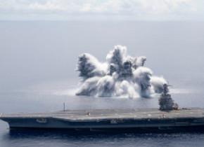 GALERIE FOTO & VIDEO. Armata SUA testează un portavion provocând o explozie cu puterea unui cutremur de magnitudine 3,9