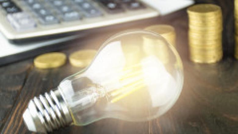 Consumatorii reclamă că primesc oferte cu tarife uriașe. Expert în energie: Sună mai mult a război decât a piață concurențială