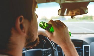 Ce riști dacă lași o persoană care a consumat alcool să îți conducă mașina