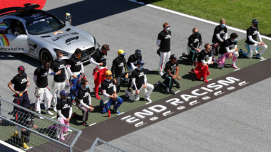Controversă și schimb de replici în Formula 1: cine sunt piloții care au refuzat să îngenuncheze pentru #blacklivesmatter