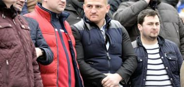 """""""Nu mai e același!"""" Ce a făcut Sergiu, tânărul care a mers călare la maternitate, după ce a primit o casă de la Cătălin Moroșanu"""