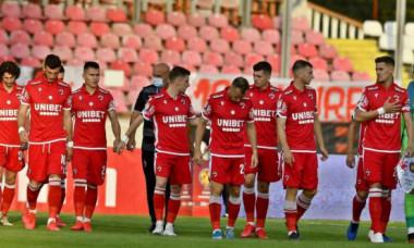 Dinamo, la un pas de o pierdere grea! Un jucător de bază negociază transferul la o rivală din Liga 1