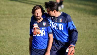 Reacția genială a lui Buffon după numirea lui Pirlo, antrenor mai tânăr decât el