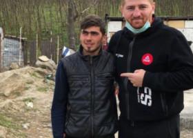 """Sergiu, tânărul care a mers călare la maternitate, a vândut casa primită de la Moroșanu: """"Niște interlopi s-au mutat aici"""""""