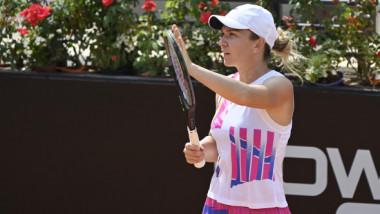 """VIDEO """"A fost un moment ciudat"""". Simona Halep, după victoria care a dus-o pentru a treia oară în finala de la Roma"""