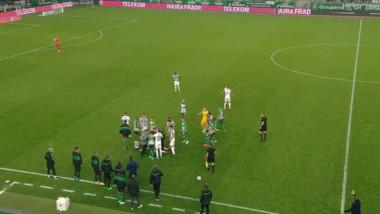 Fault oribil în derby-ul Ungariei. Faza care a făcut înconjurul lumii: până și coechipierii lui s-au luat cu mâinile de cap