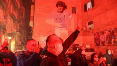 Doliu la Napoli! Fanii au ieșit pe străzi pentru a-l plânge pe Maradona. Ce s-a decis în Argentina