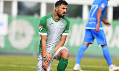 Scandal în fotbalul românesc! Fotbalistul a fost la un pas să-l ia la bătaie pe oficialul echipei la finalul meciului
