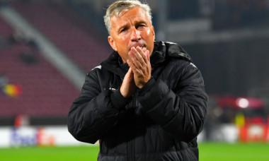 Dan Petrescu, dat afară de la Cluj! Care au fost motivele care i-au determinat pe șefii echipei să renunțe la antrenor