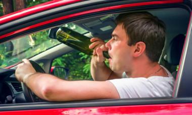 În cât timp iese alcoolul din organism dacă vrei să te urci iar la volan și ce spune legea despre cât poți să bei