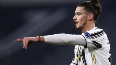 Radu Drăguşin are oferta pe masă, la doar două zile după debutul la Juventus. Veste uriaşă pentru fundaşul român