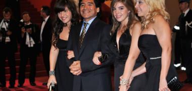 Lovitură de proporții: motivul pentru care Maradona și-a scos din testament fiicele și fosta soție