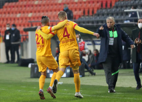 Primul transfer primit de Dan Petrescu la Kayserispor: un fundaș crescut de Galatasaray a fost prezentat oficial