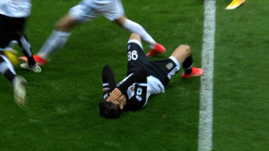 Dennis Man, făcut KO în Parma - Inter! Mihăilă l-a schimbat la pauză | VIDEO