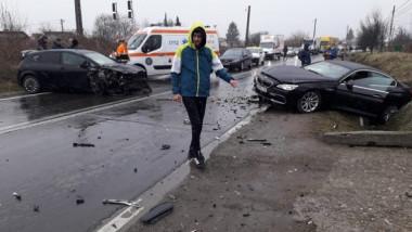 VIDEO Cinci fotbaliști români, implicați într-un accident rutier grav în drum spre stadion