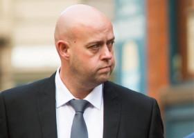 Atkinson, ucis de pistolul cu electroşocuri ţinut de poliţist de şase ori mai mult timp decât este necesar