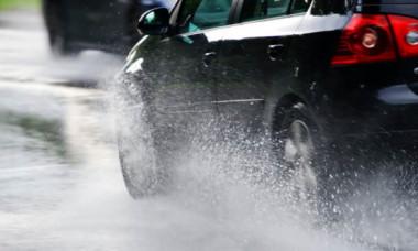 Fenomenul periculos pentru șoferii români. Mare atenție, ce pățești pe drumurile din țară