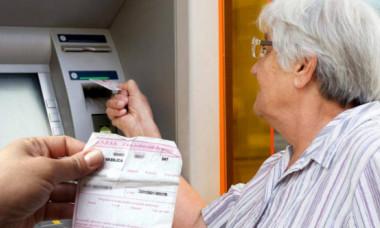 Schimbarea pentru toți pensionarii care iau pensia pe card bancar. Cum vor fi anunțati de acum încolo