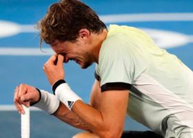 Și-a exprimat regretul pentru că i-a spulberat visul lui Djokovic și a izbucnit în lacrimi. Imagini memorabile de la JO