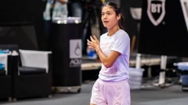 Momentul în care Emma Răducanu a încercat să vorbească în română. Campioana de la US Open, aplaudată la scenă deschisă