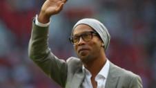 """Trei meciuri de retragere pentru Ronaldinho. Va spune adio fotbalului, de data asta, definitiv. """"Va fi ceva grandios"""""""