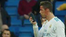 Ronaldo, plin de sânge. Reacţia memorabilă când şi-a văzut faţa pe un telefon mobil