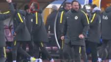 Gesturi golăneşti la finalul meciului! Război total între Bălaşa şi ultraşii lui Dinamo