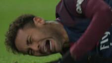 Neymar s-a accidentat la meciul cu Marseille și a fost scos pe targă, în lacrimi