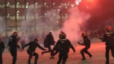 Un poliţist a murit! Haos la Bilbao. Sute de ruşi au făcut prăpăd lângă San Mames