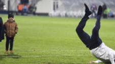 Faza zilei în Europa League. Antrenorul umilit de FCSB a făcut tumbe pe teren