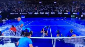 Trei ore de întârziere pentru meciul Simona Halep-Sofia Kenin. Probleme la Australian Open